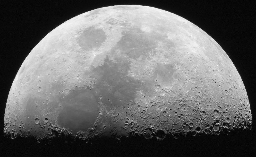 Israeli Astronomers Introduce Novel Moonlet Theory Which Claims Moon to be Triggered by 20 Moonlets