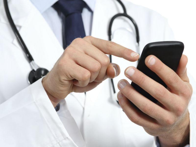 Don't take your cell phone inside hospital or ICU, It can infect patients: Scientists