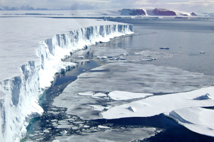 Warm Ocean Causing Antarctic's Ice glacial to Liquefy at an Alarming Rate