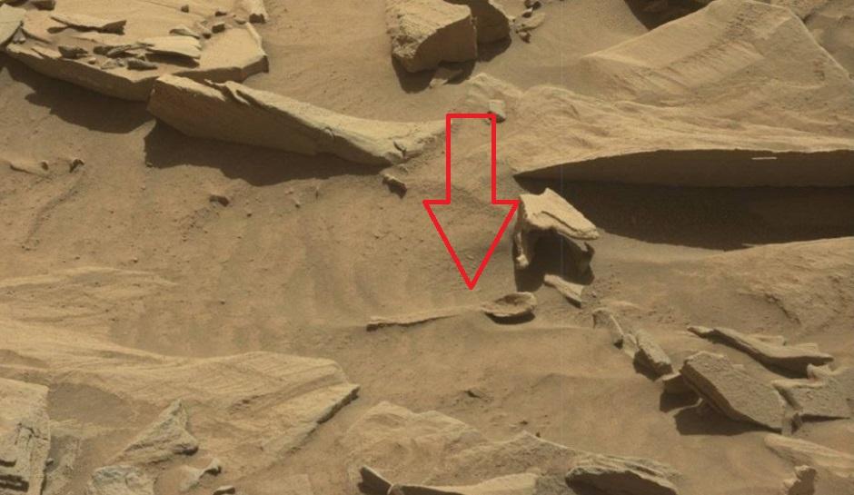 giant-spoon-on-Mars