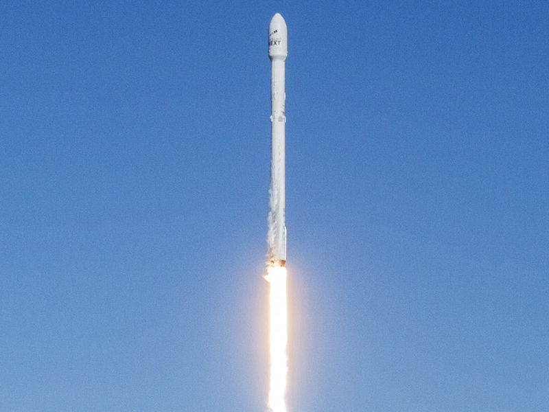 SpaceX's Falcon 9 'Block 5' Rocket Model Sends Comms Satellite Into Orbit