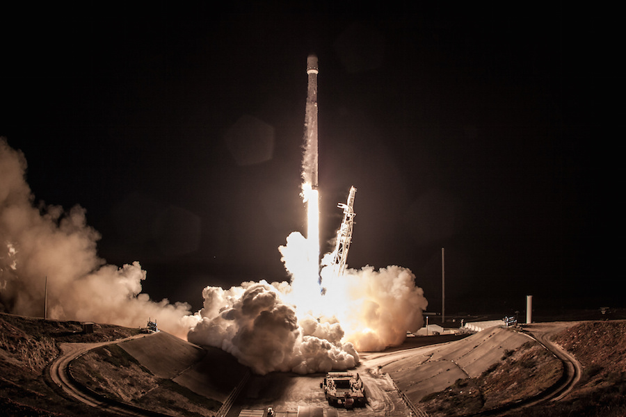 SpaceX dazzles with first launch of the year