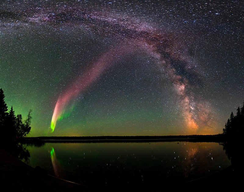Discovery of a unusual aurora named Steve by canadian astronomer